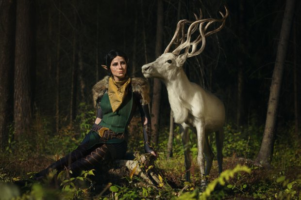 merrill_with_halla_2___dradon_age_ii_cosplay_by_luckystrikecosplay-d9tvm44